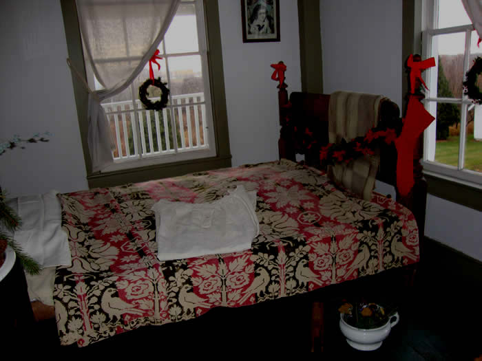 Another bedroom deciorated for the Holidays